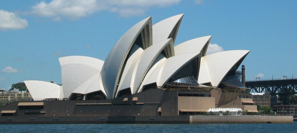 SydneyOperaHouse[1]